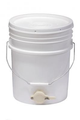 Beekeeping 5 Gal Plastic Bucket